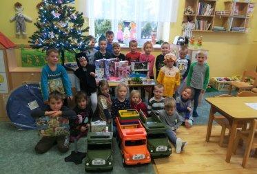Vánoční nadílka pod stromečkem